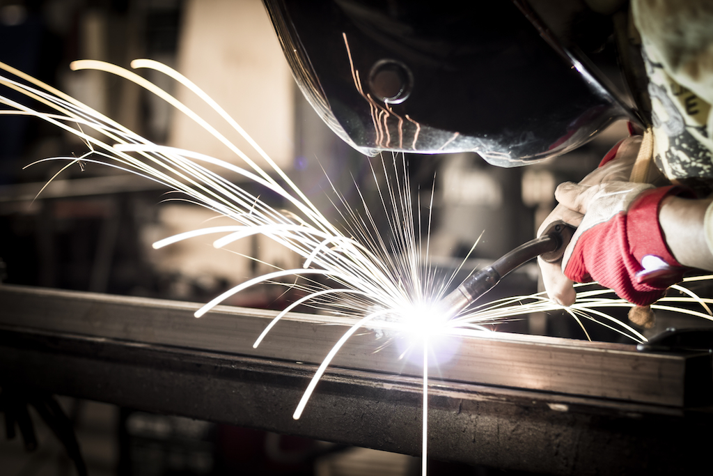 Metal Fabricator Reduces Machine Downtime, Improves Inventory Turns